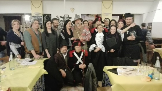 Montelicciano: La squadra vincitrice con tutta la Compagnia